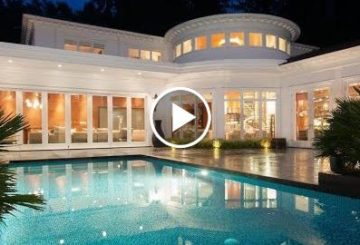 Glorious $22 Million 16,000 S.Q F.T 10 Bedroom 13 Bathroom Home in Vancouver British Columbia Canada